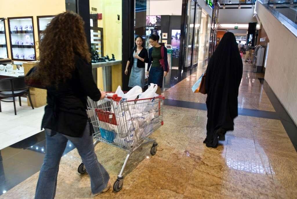 dubai economy, covid-19, coronavirus, dubai media office, sale in dubai, dubai shopping