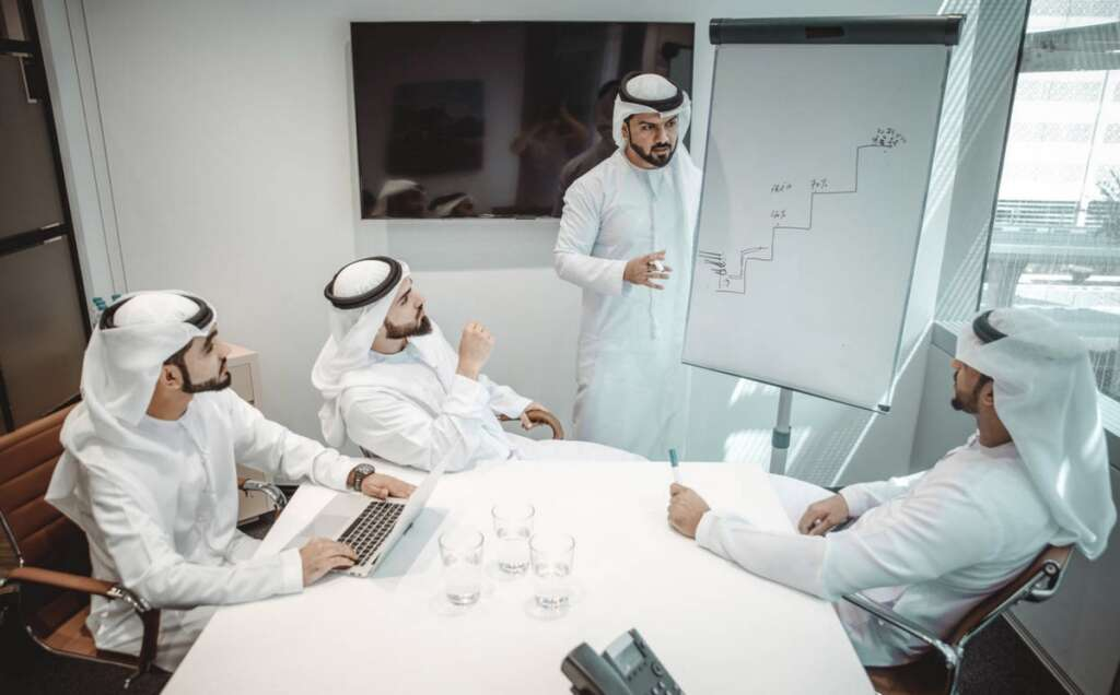 Dubai, implement, flexible, work hours, government staff, August 16
