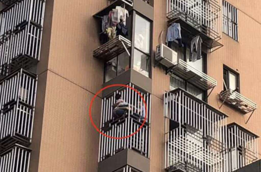 Girl falls from 6th floor, man catches her with pillow