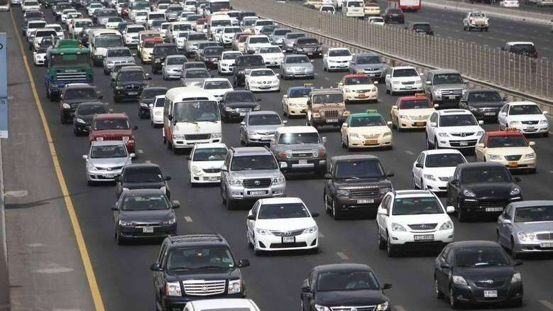 Accident, Dubai, Sheikh Zayed Road, tailbacks