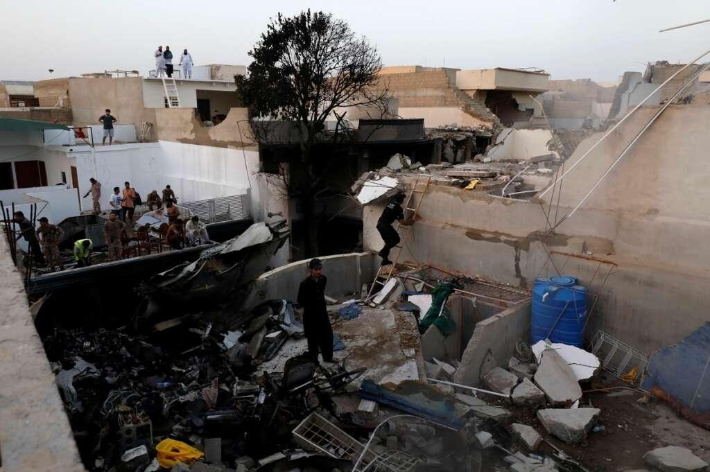 Pakistan plane crash, Karachi, bodies recovered, more feared dead, Pakistan International Airlines