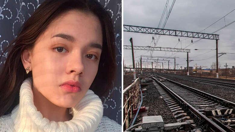 Selfie-taker girl hit by speeding train, dies