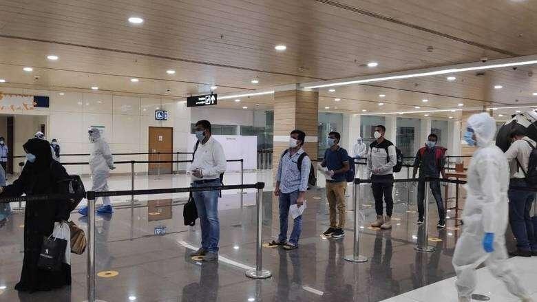 Combating, coronavirus, Abu Dhabi, helps, repatriate, over 180,000 workers, Covid-19, outbreak