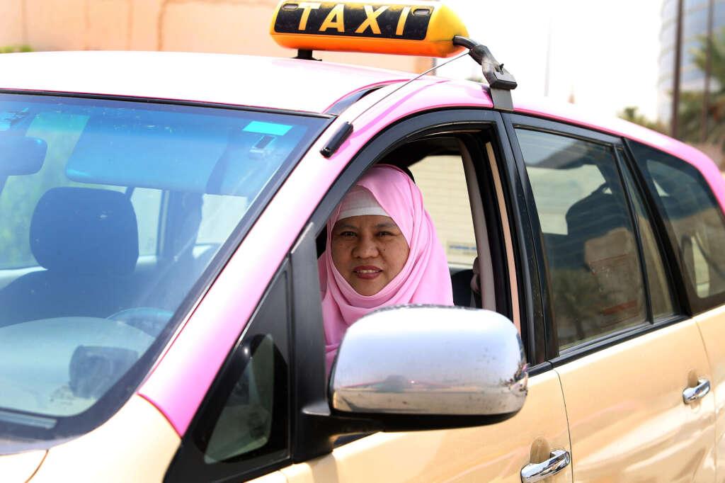 Femalefaketaxi Tourist Introduced To Taxi Tradition X