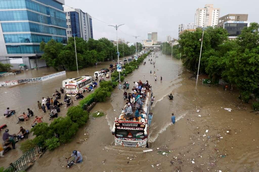 pakistan floods, islamabad, covid-19, coronavirus, karachi, UAE field teams