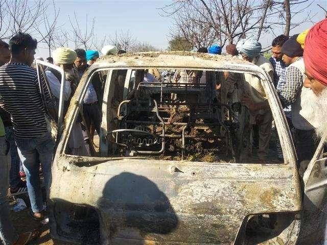 4 kids, die, school van, catches, fire, fire, india, school