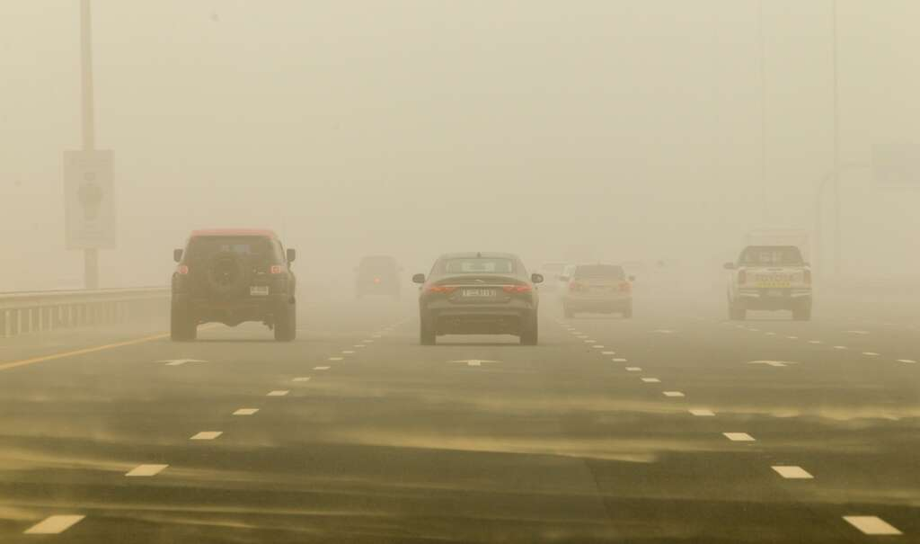 Poor visibility on the Al Khail road due to a sandstorm in Dubai-Photo by Neeraj Murali