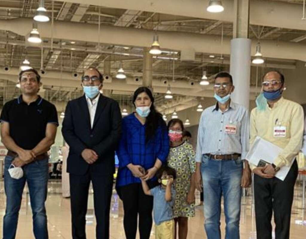 Photos, Consular staff, pays, tribute, Indian diplomat, Vipul, leaves, Dubai