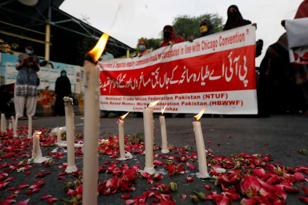 Pakistani girl, dies, Karachi, plane, crash, Pakistan International Airlines