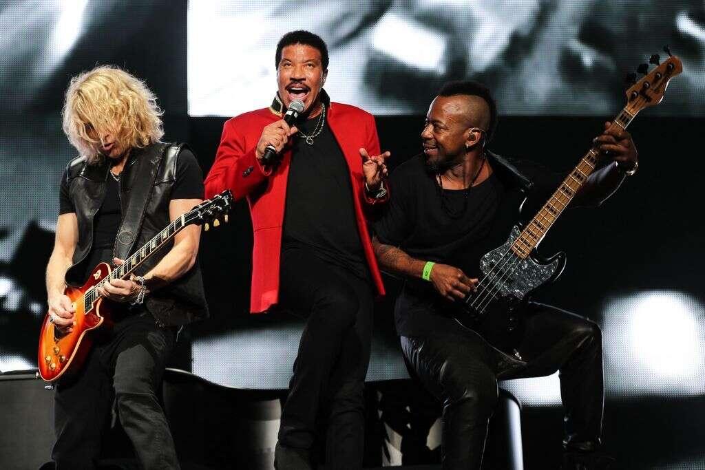 Music legend Lionel Richie stuns Abu Dhabi