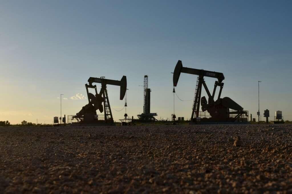 Oil slides as virus outbreak shakes economic growth predictions