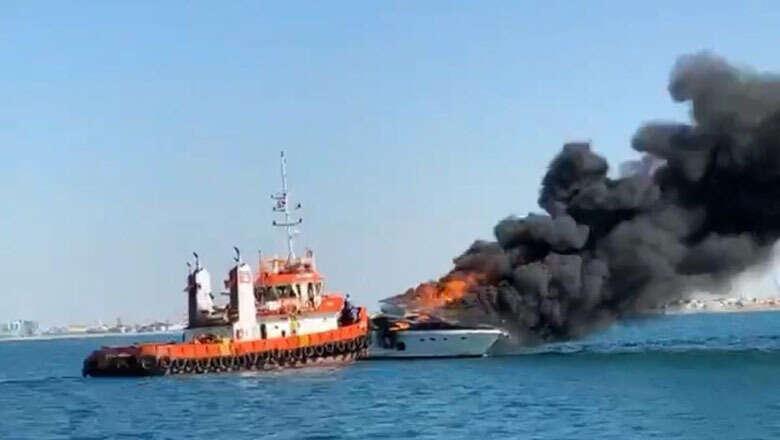 boat, catches, fire, near, dubai, burj al arab, boat fire, blaze