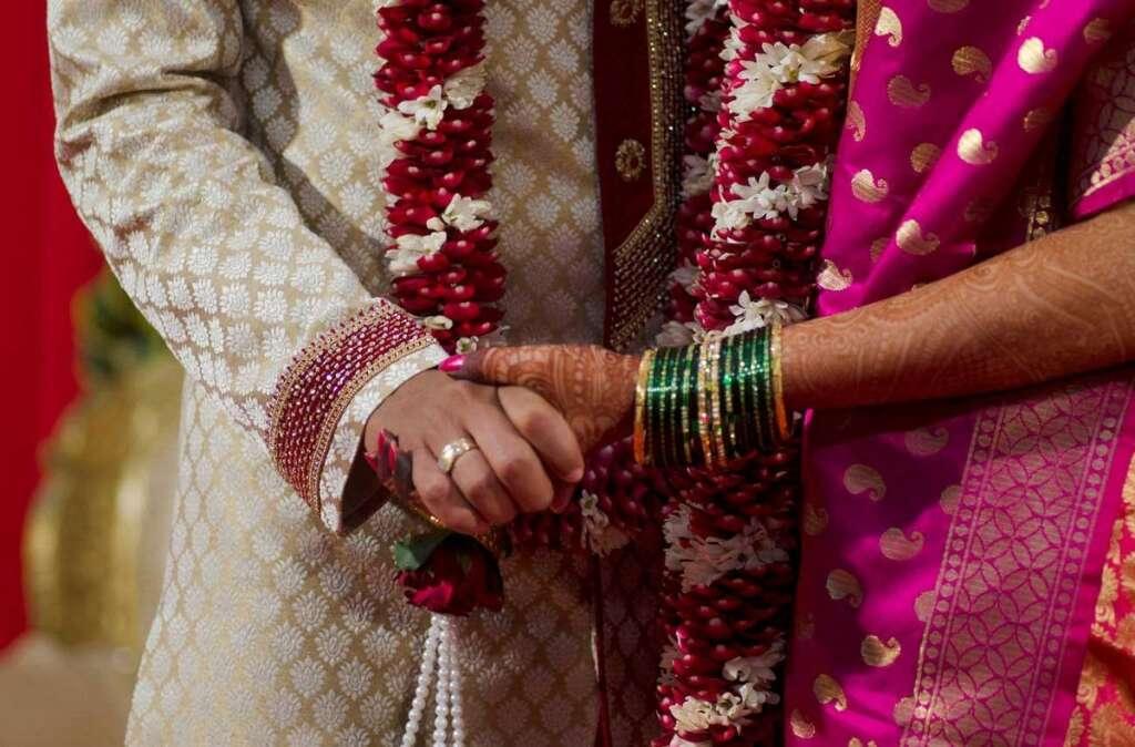 Groom, dies, during, wedding procession, baraat