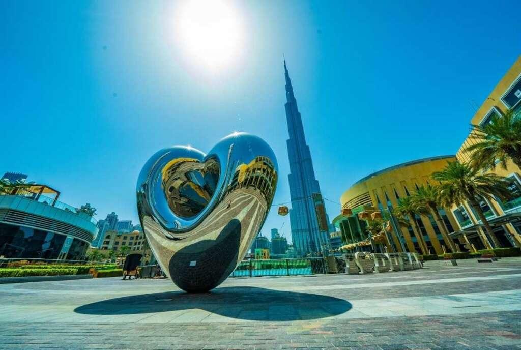 Photos: New heart sculpture unveiled in Dubai