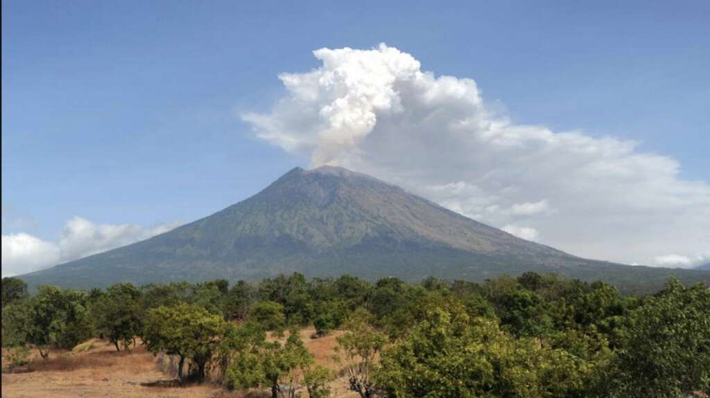 Volcano erupts in Bali, spews smoke, ash