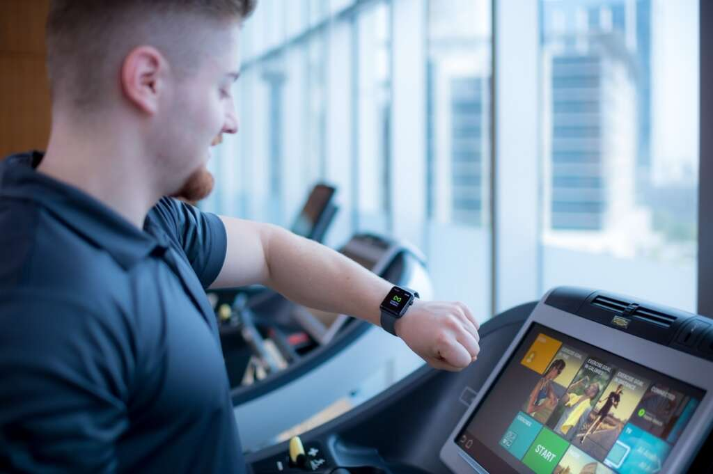 Apple launches fitness tech GymKit in UAE