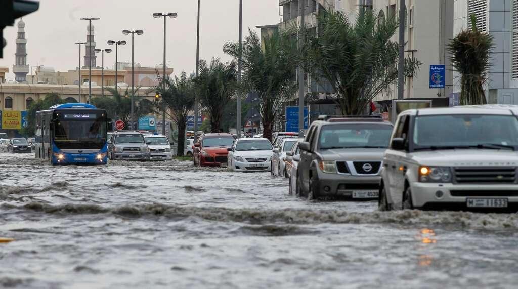 Sharjah, Ajman, signboards, emergency, teams, clear, rainwater, smooth traffic,