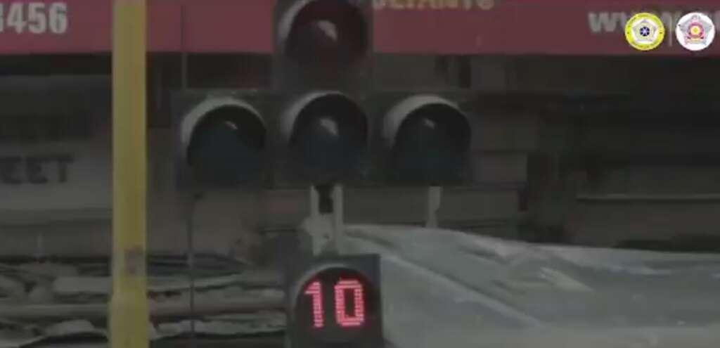 Mumbai police, honking, Police, traffic, traffic signal