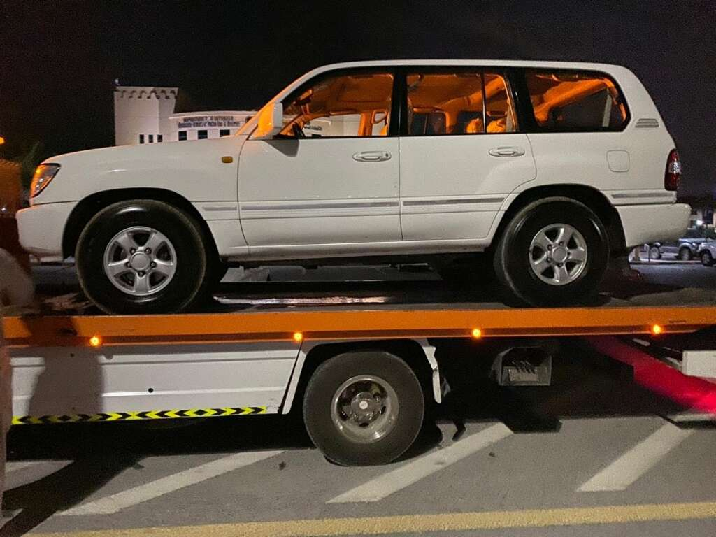 Two, young drivers, arrested, performing, road stunts, UAE