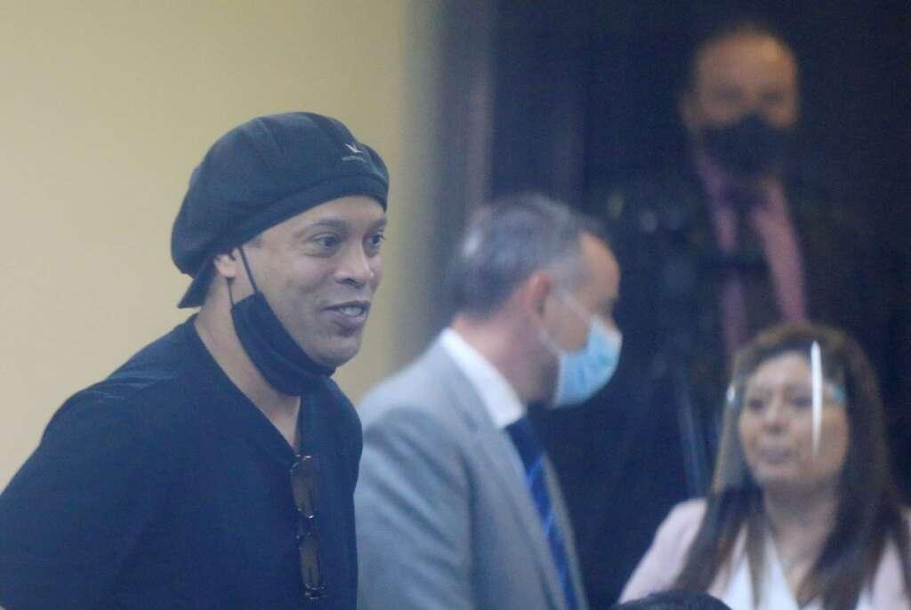 ronaldinho, released, paraguayan, judge, five, months, detention, forged, passport