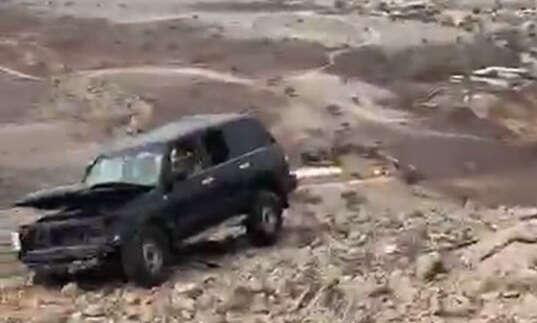 emirati, killed, car, fall, uae, mountain
