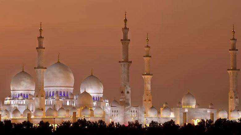 sheikh zayed mosque, famous imam, well-known preacher, announce, sheikh zayed grand mosque