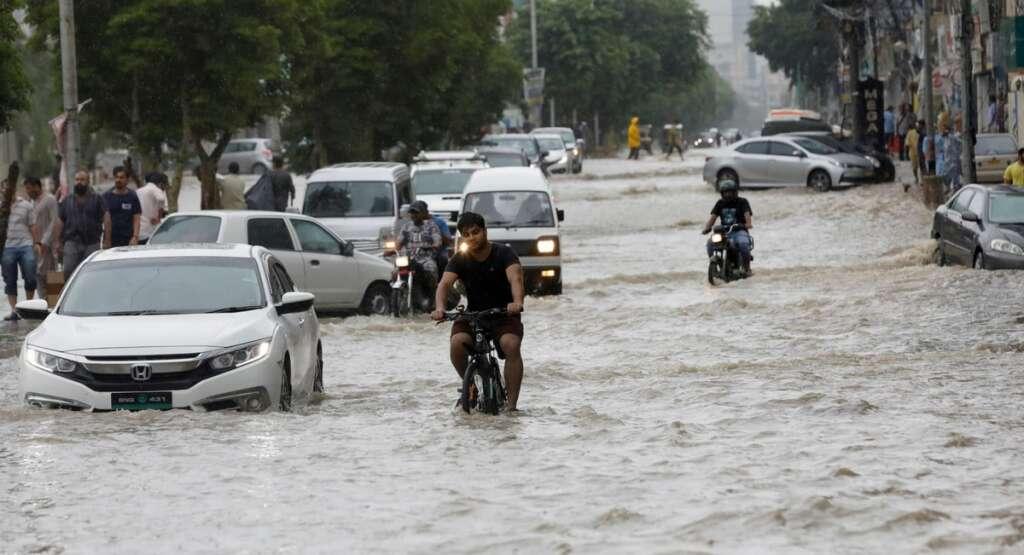Pakistan, thunderstorms, rain