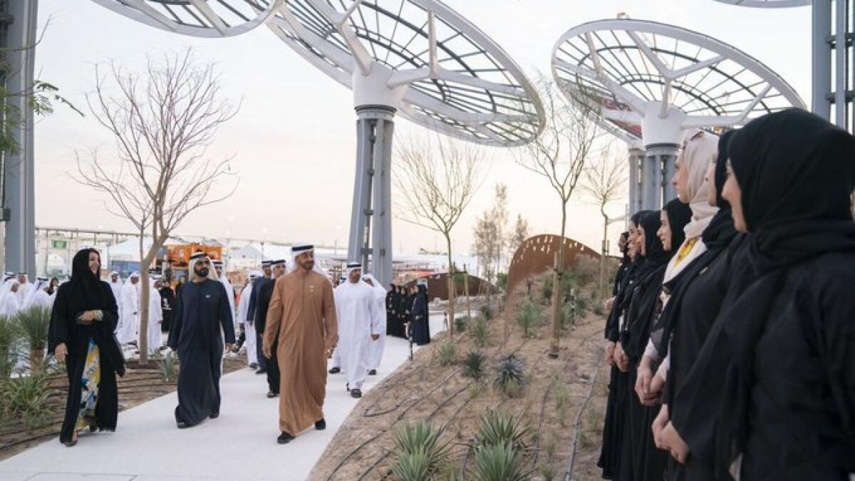 Sheikh Mohammed and Sheikh Mohamed bin Zayed were briefed about Al Wasl Plaza and the preparations to welcome the 192 participating countries and millions of visitors to Expo. The leaders were also briefed on the various phases of Expo completed in 2019 including major construction projects developed under the three sub-themes of the event. The entire project has achieved 150 million working hours and has 38,000 people currently working on site.