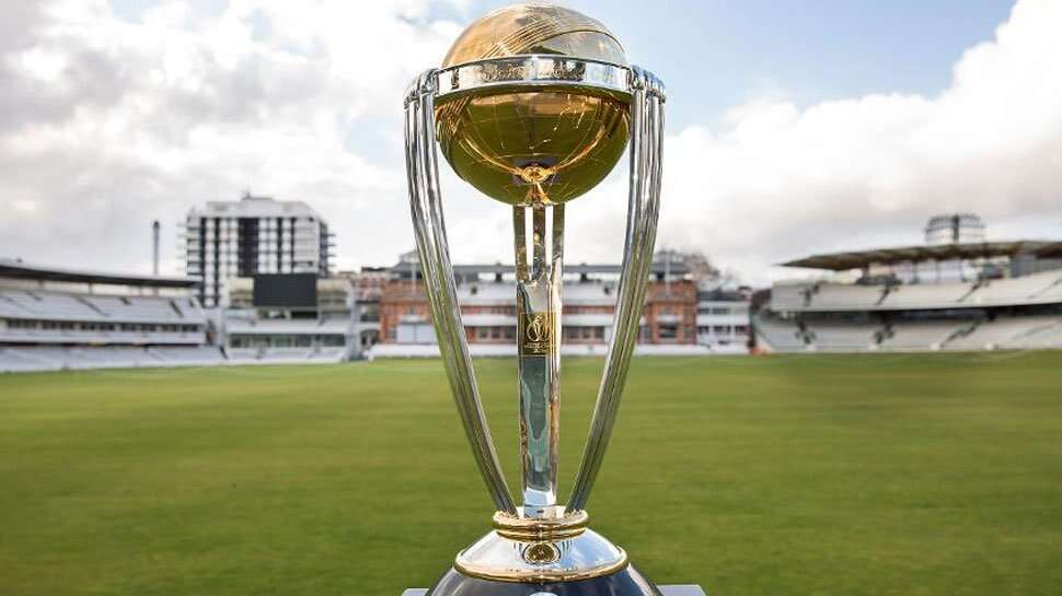 Channel 2 Group Corporation, Sports Flashes display ICC Cricket World Cup trophy in India