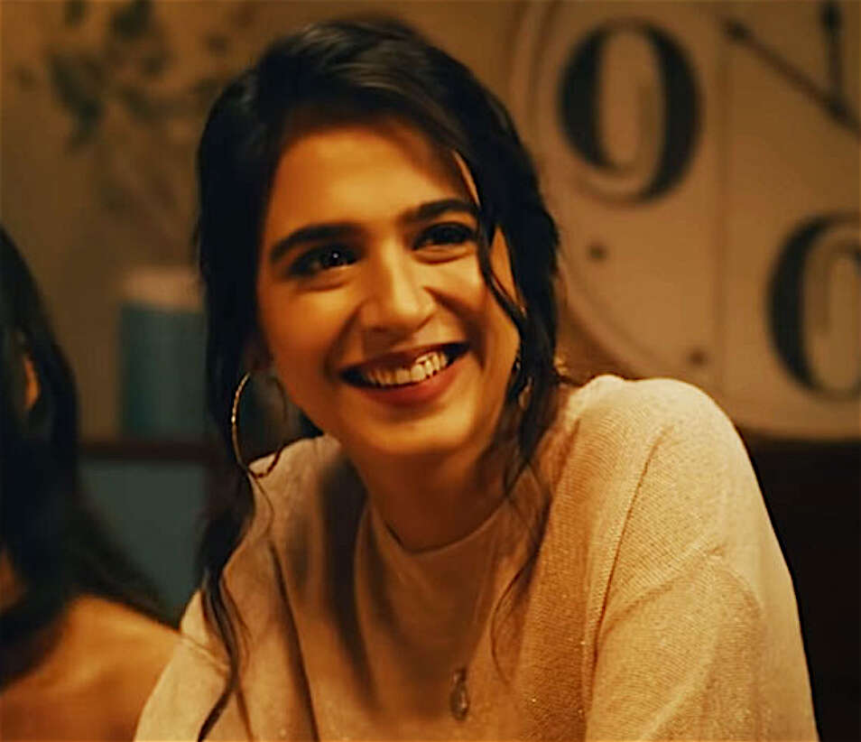 Lal Kabootar, Pakistani films, Dubai