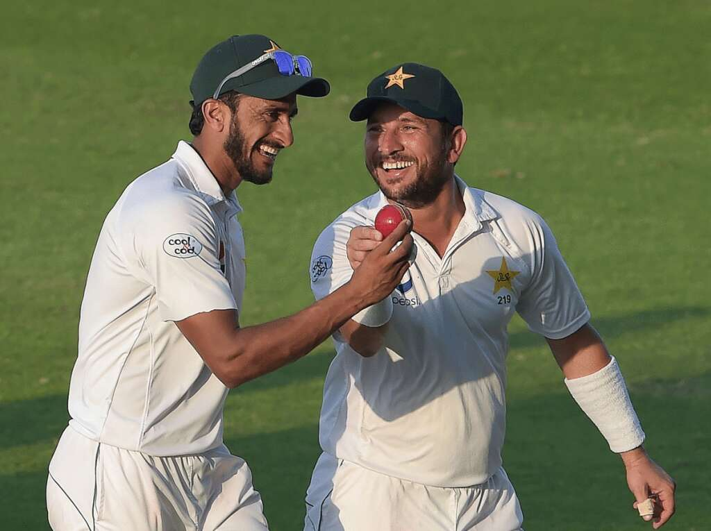 Pakistan seize control of Abu Dhabi Test