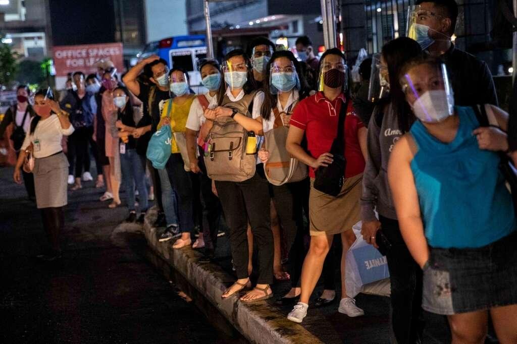 Philippines, 30cm, transport, rules, Manila, coronavirus