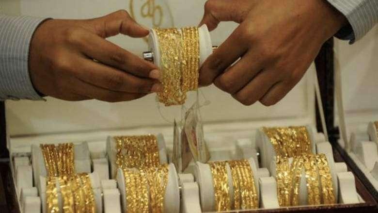 Dubai gold prices fall as dollar firms, Dh136 25 for 22k
