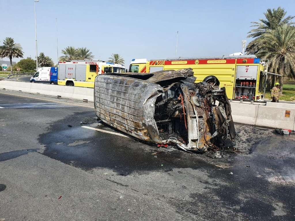 Dubai Police, road accident, Sheikh Zayed Road, minibus