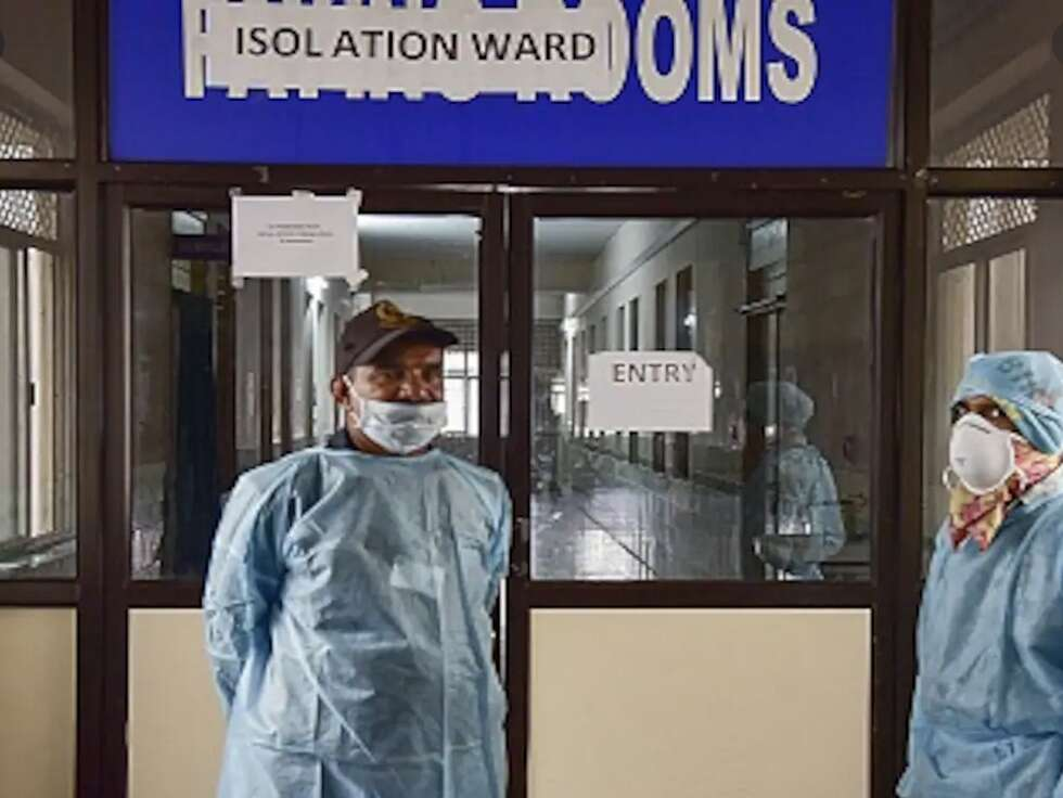 Coronavirus positive woman dies after giving birth in India