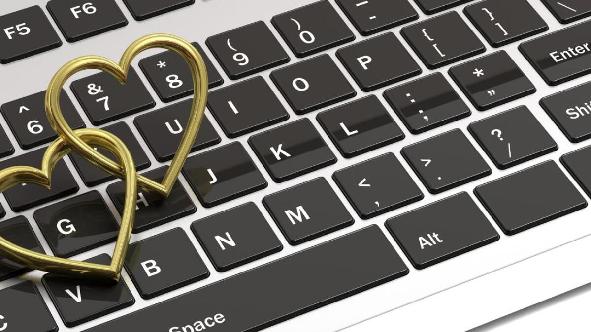 715 couples in UAE get married online in 4 months