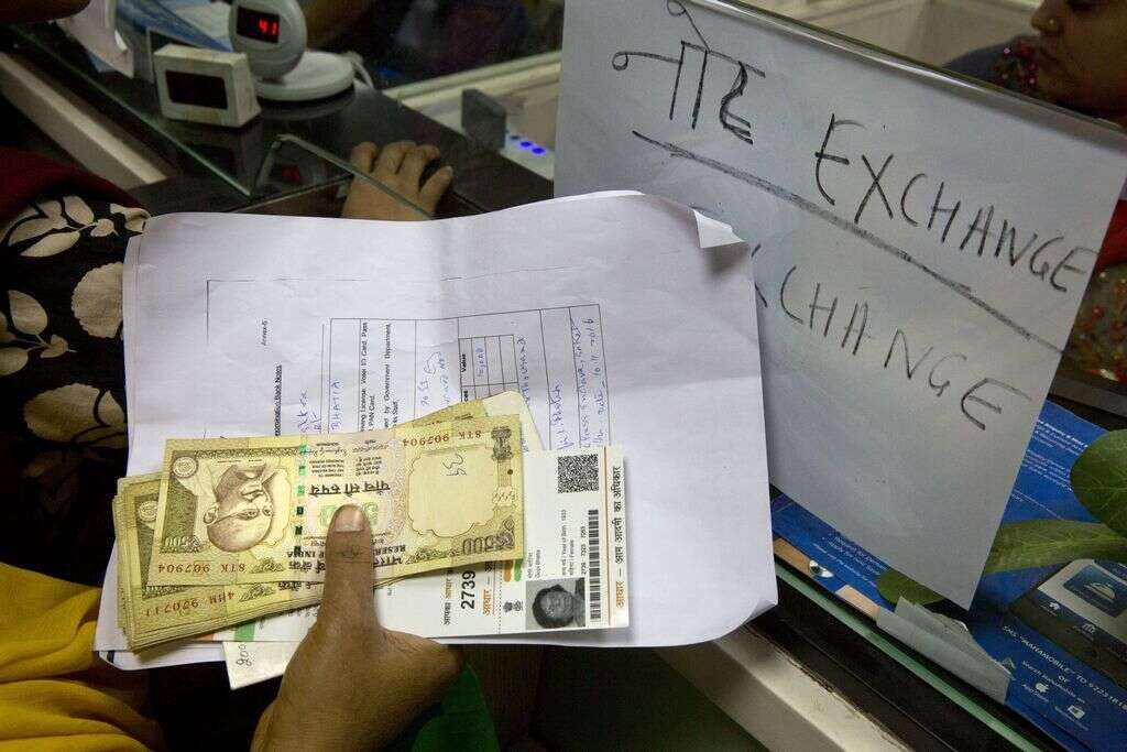 Indian expats relieved as notes exchange deadline extended