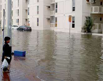 Rain causes waterlogging, traffic jams
