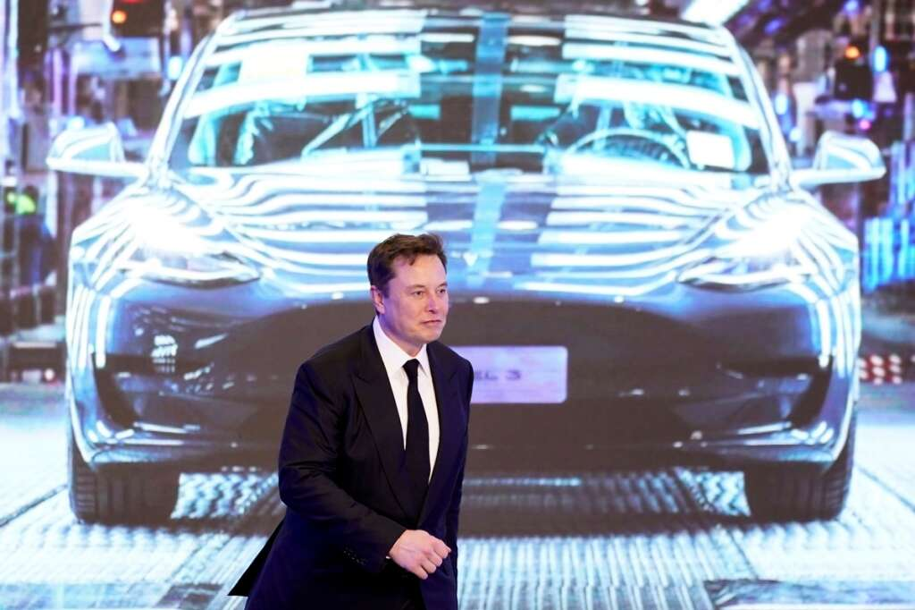 Tesla cuts battery cost on road to $25,000 model