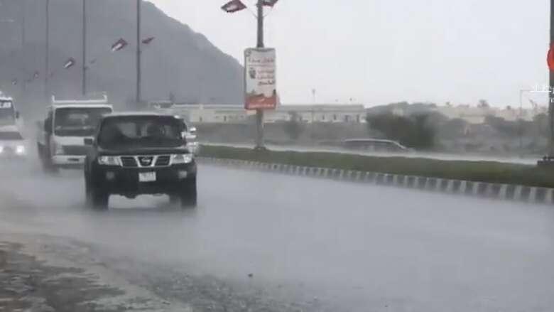 man killed, car flip over, heavy rains, uae, rain, speeding, flip