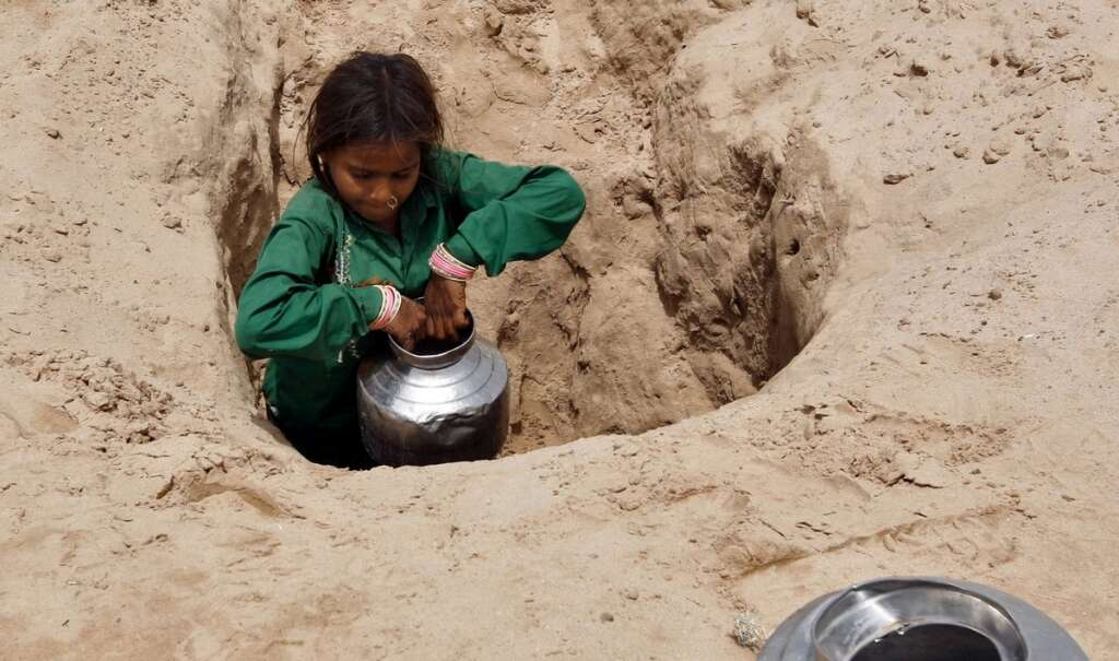 With fees and laws, India rushes to save vanishing groundwater