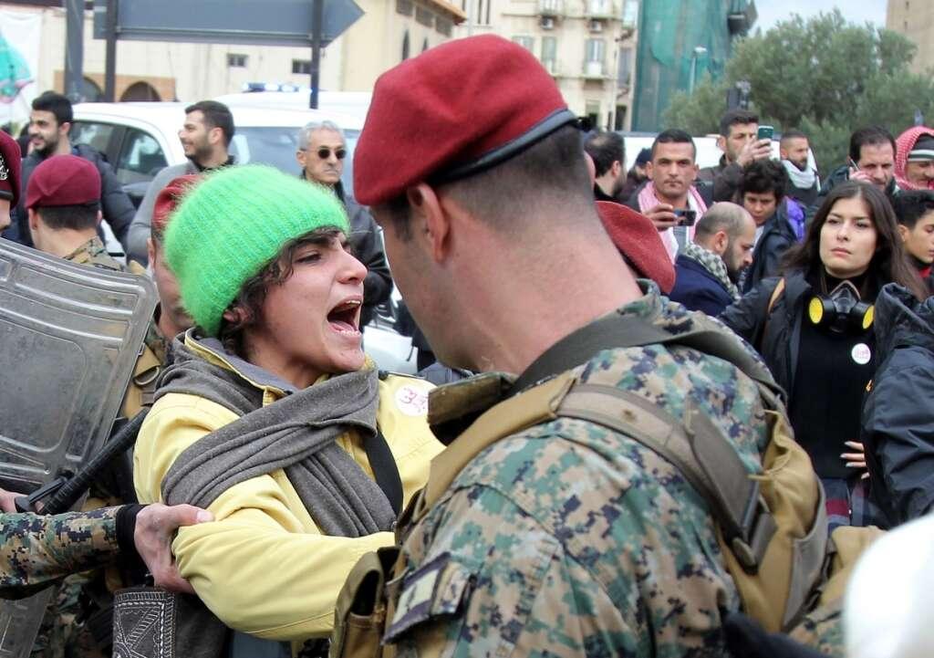 Hundreds, injured, Beirut, clashes, vote of confidence,