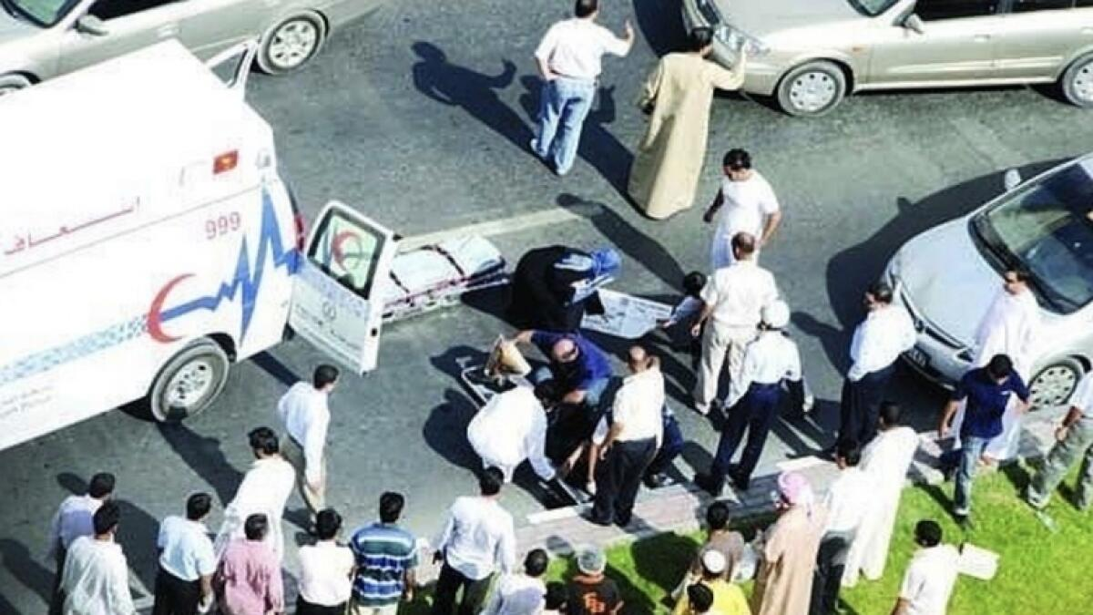 Up to Dh150,000 fine for blocking, recording at accident sites in UAE