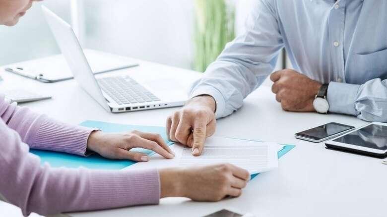uae work law, labor law, visa, sponsorship, men, husband, work permit