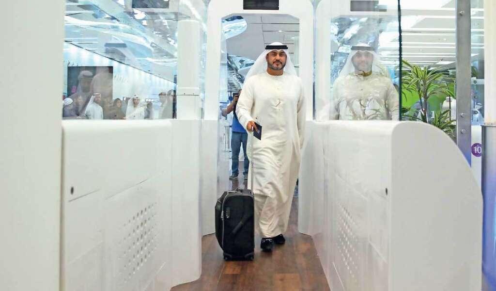 Dubai International Airport, passport, travellers,Smart Tunnel,