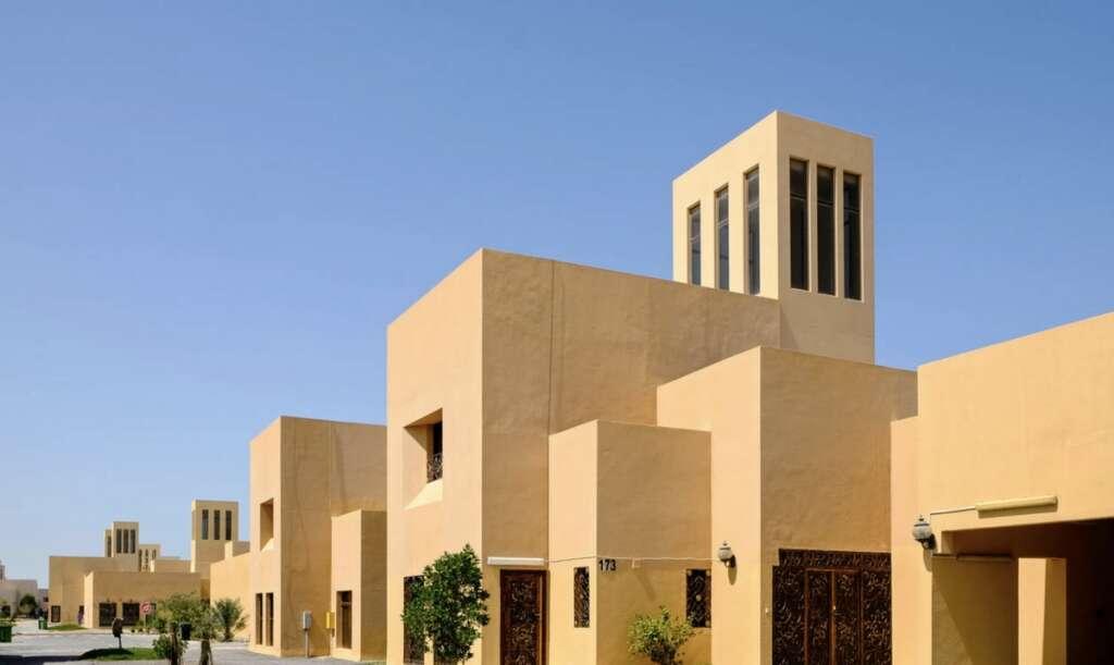 Coronavirus, Notices, placed, homes, entrances, people, self-quarantine, UAE