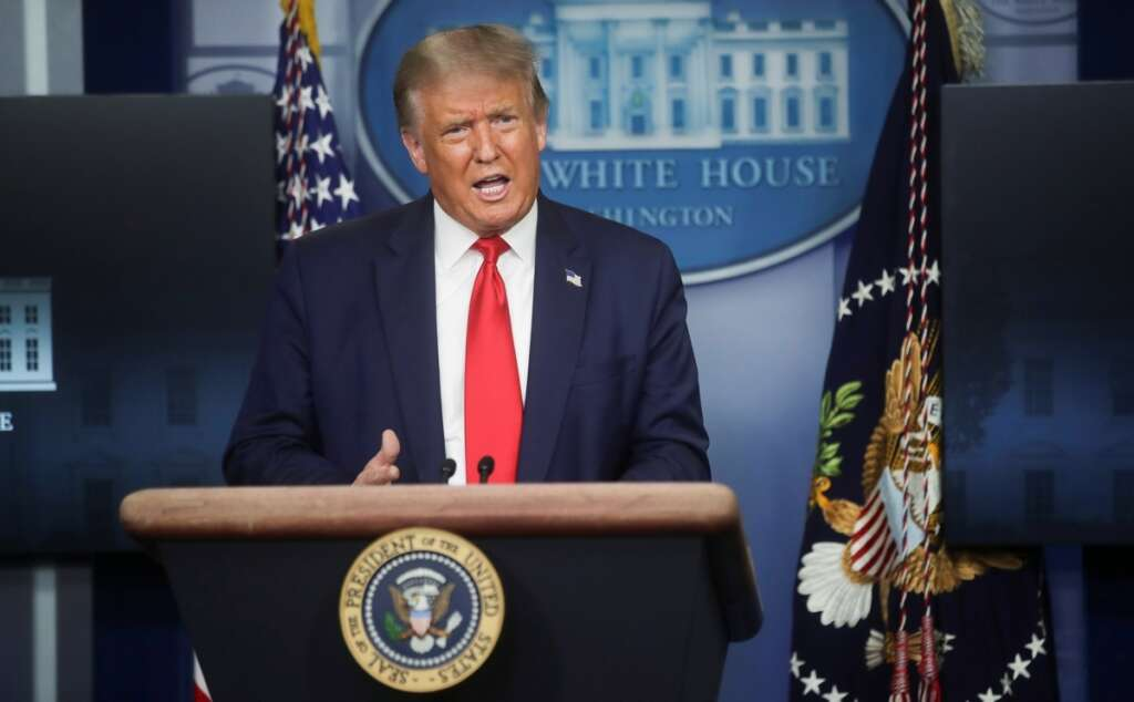 Trump bans federal contracters from hiring H1-B visa holders