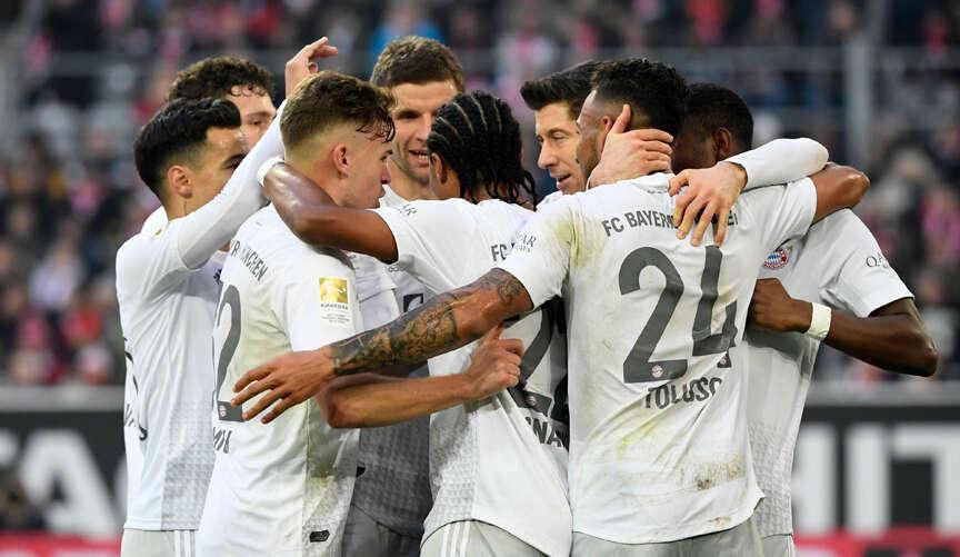 Bayern rout Duesseldorf; Union Berlin stun Moenchengladbach