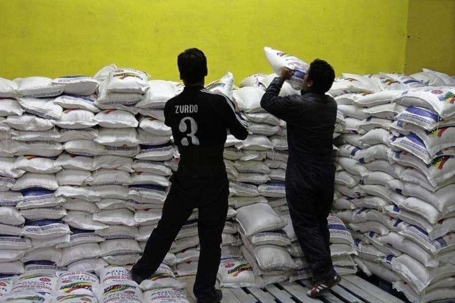 UAE, Saudi Arabia halt white sugar exports to Qatar