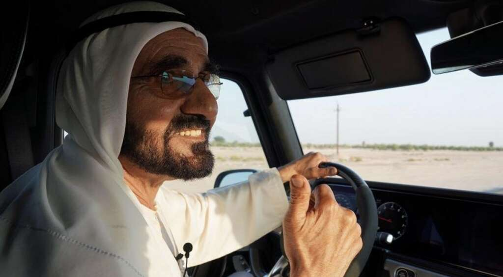 sheikh mohammed, chinese woman, around, dubai, drive, hand sign, cctv, china central television